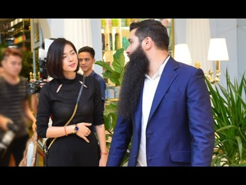 Ngô Thanh Vân liên tục xuất hiện bên đạo diễn phim 'Kong'(Tin tức Sao Việt)