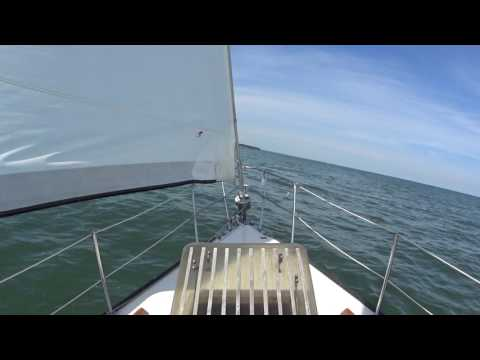 HD 5 Hour Relaxing Sailing Loop video - Ocean Sounds, Waves, Wind - Lake Erie Islands