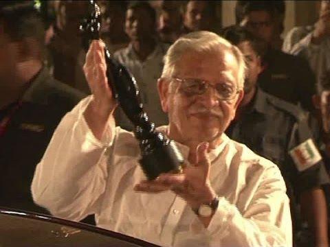 Dadasaheb Phalke Award for Gulzar  - IANS India Videos