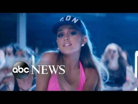Ariana Grande, John Legend Perform 'Beauty and the Beast'