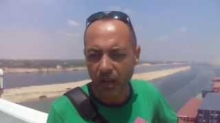 تامر الدمرداش الصحفى بالاخبار يهتف تحيا مصر على أكبر سفينة حاويات فرنسية فى قناة السويس الجديدة