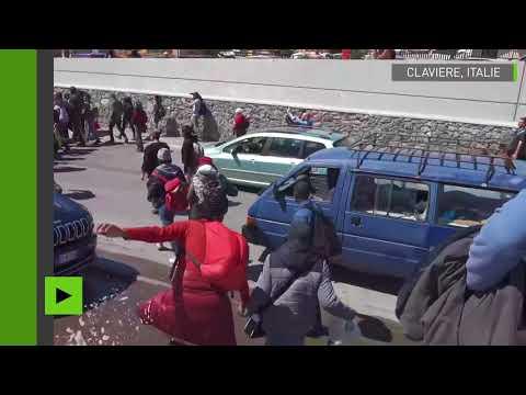 Des antifascistes italiens forcent un barrage de la gendarmerie française