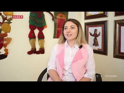 Türkiye'nin Ilk Kadın Karagöz Ustası