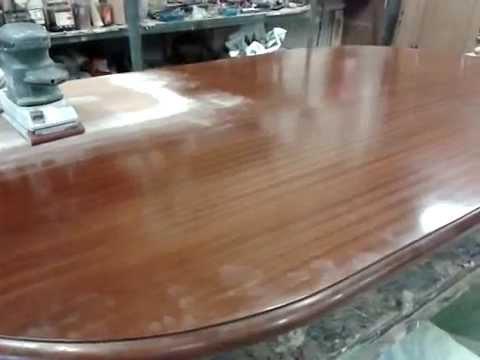 Acuchillado de la tapa de una mesa de comedor 1 parte - Mesas de comedor cuadradas ...