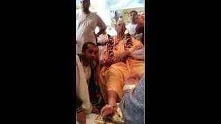 Guru Maharaj HHJPS pada puja2