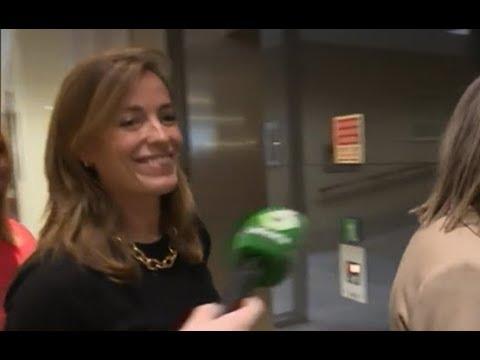 Una sonrisa, respuesta de Carmen Navarro al desinterés de Rajoy sobre la brecha salarial