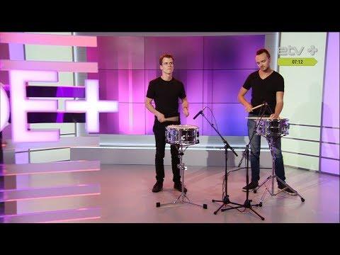 Раскрыт секрет фокуса: как барабанщики крутят палочки!