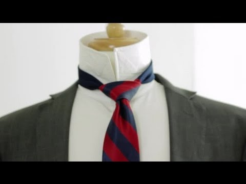 How to Tie a Tie in a Triangle Shape : Neckties & Bow Ties ...