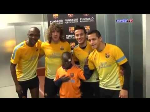 Very Emotional ! With Messi - Blind Child Recognize the Barcelona Players