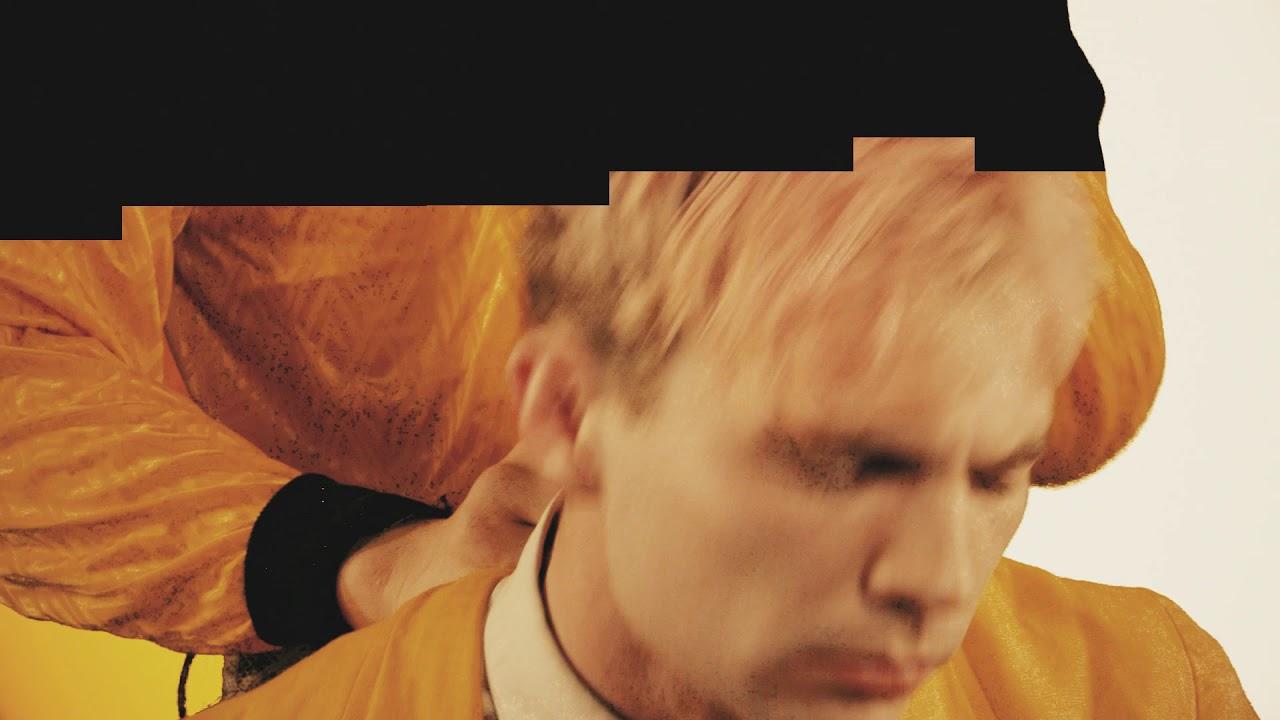 Download Moscoman - Eyes Wide Strut (feat. WOOZE)