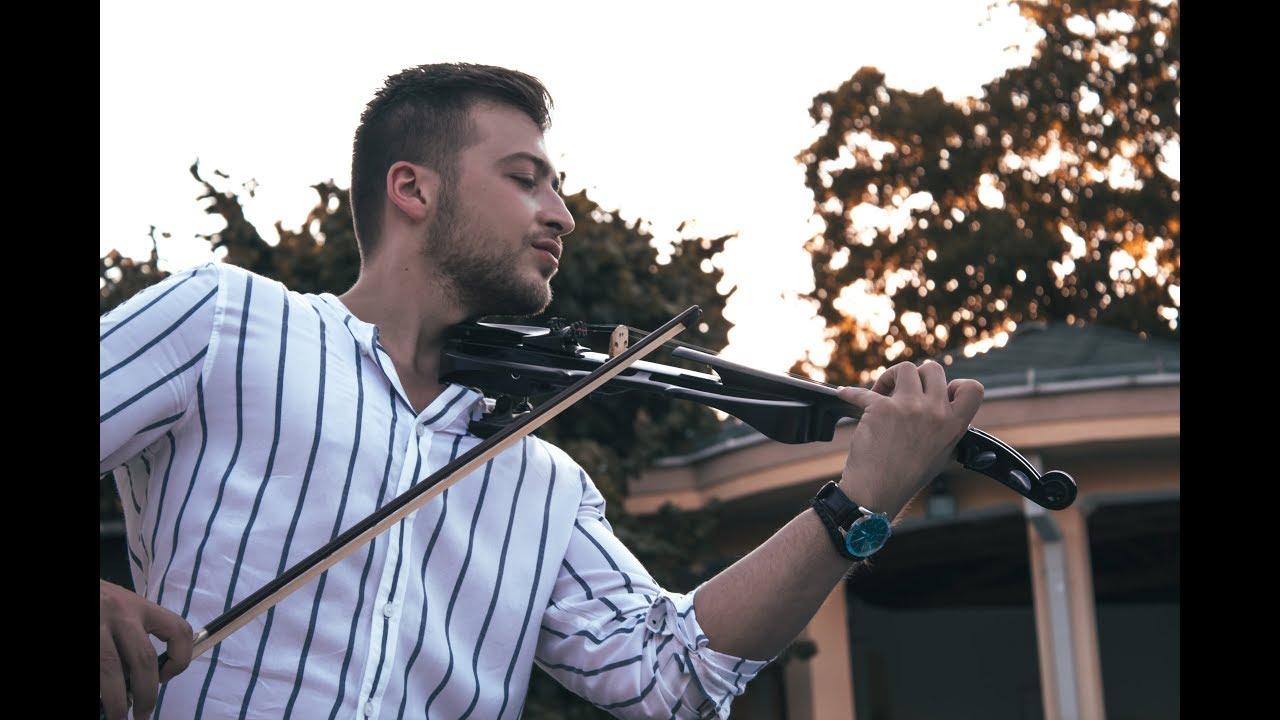 Señorita отсвирена на виолина од Виктор Серафимовски