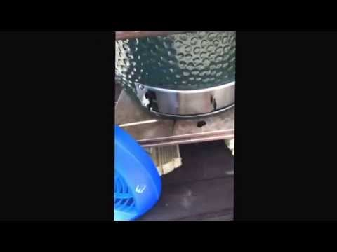 Vote No on : Beer Can Chicken on the Big Green Egg