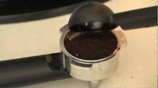 كيفية جعل القهوة اسبرسو الخاص بك باستخدام القهوة اكسبريسو آلة مع IMUSA
