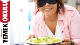 Refika Gözü Kapalı Yemek Yapabilir mi? | 2