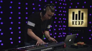 Tay Sean - Kathedral Spectre (Live on KEXP)