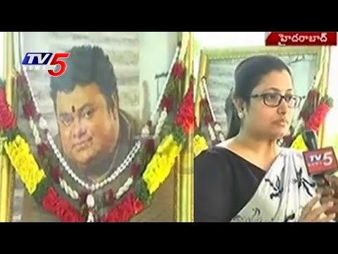 Music Director Chakri 1st Death Anniversary | Sravani Cries For Chakri | TV5 News