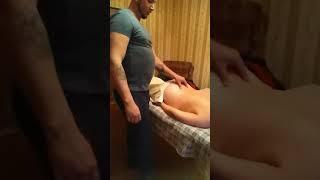 Лечебный массаж спины без масла для устранения триггерных точек