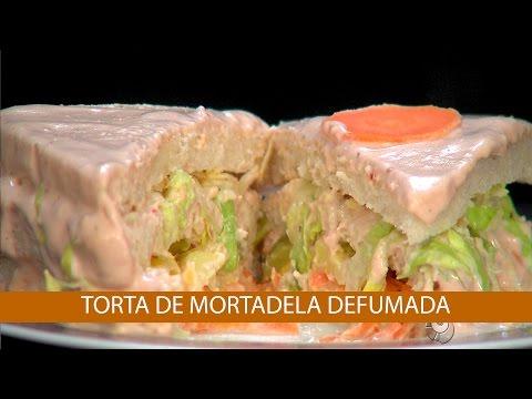 TORTA DE MORTADELA DEFUMADA E TORTA DE RÚCULA E TOMATE SECO