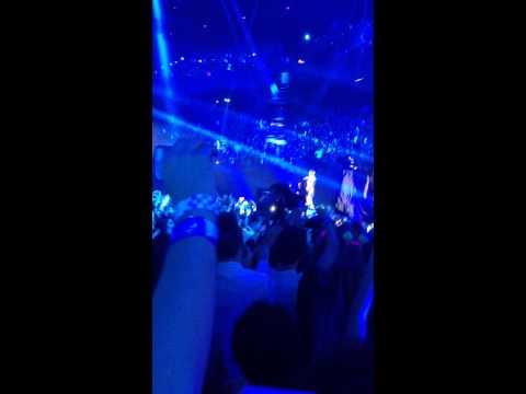 MTV EMA Miley Cyrus Opening Amsterdam 2013 HD