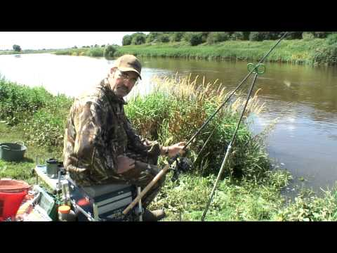 Mick Brown And Jan Porter In Session - River Trent Barbel