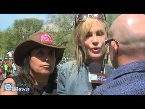 Daryl Hannah and Winona LaDuke on Tar Sands, Keystone XL and Fukushima