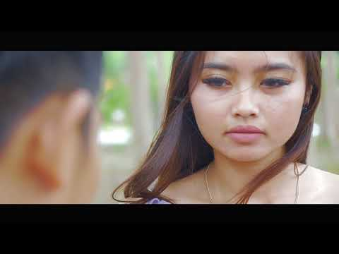 GIA AND FRIENDS - MUNAFIK (OFFICIAL VIDEO)