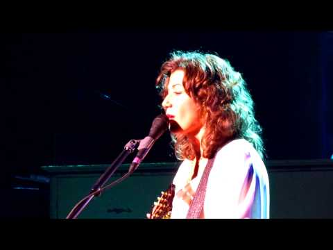 Amy Grant - Better Than A Hallelujah (Live From Tualatin, Oregon, On September 14, 2011)