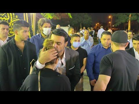 قبلة على رأس ليلى أحمد زاهر من عمرو محمود ياسين التي حضرت مع والدها أحمد زاهر