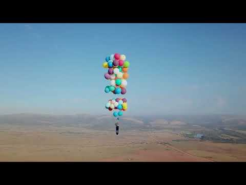 Man Strapped to 100 Helium Balloons Flies 8,000 feet up in the Air in South Africa