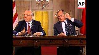 President George H.W. Bush and Soviet Union leader Mikhail Gorbachev h0ld their final news conferenc