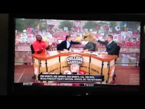 ESPN signs Lee Corso to an extension, reportedly lays off John Clayton
