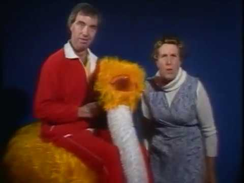 Bernie Clifton and Kathy Staff  Mother Goose Pantomine Advert 1982?