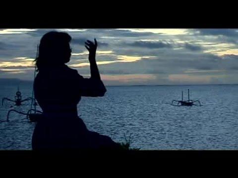 Gek Tika - Gayatri Mantram [OFFICIAL VIDEO]