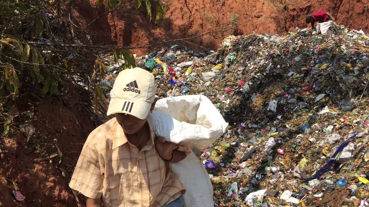 CHILD LABOUR IN INDIA: KIDS ON THE DUMP