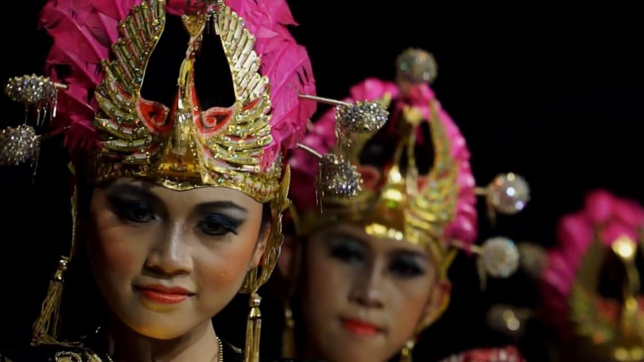 Tari Golek Surung Dayung video angkatan seni tari fbs ...