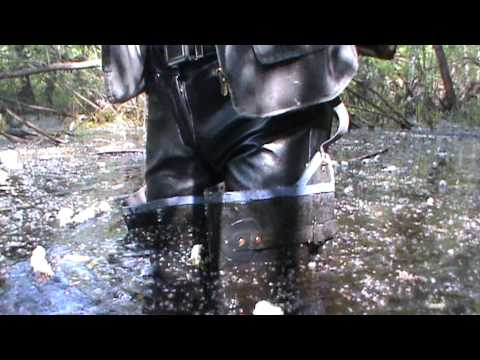 Rubber boots in water M2U00565.MPG