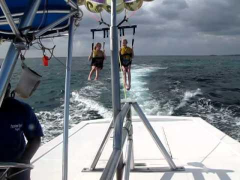 Kia Grindland Claire Farwell Parasail In Jamaica