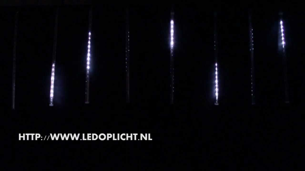LED Sneeuw effect / vallende sterren - YouTube