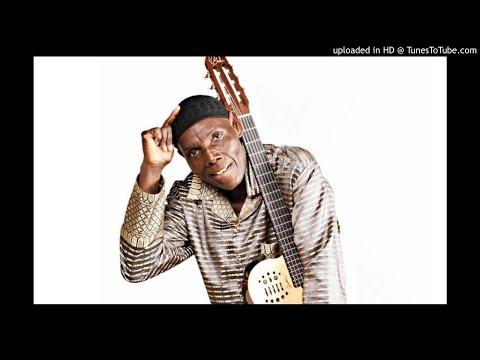Oliver 'Tuku' Mtukudzi - Pindurai Mambo