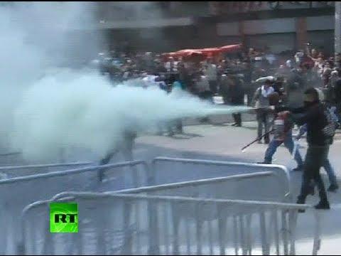 Rampaging riots in Mexico as President Peña Nieto sworn