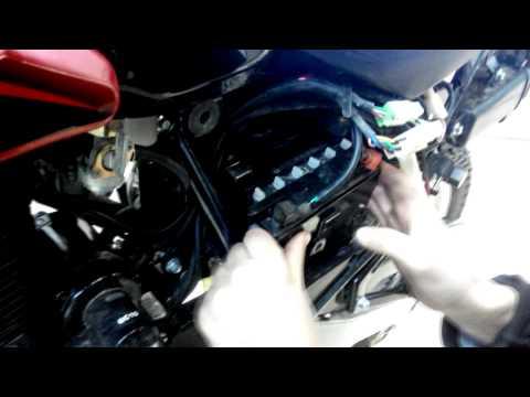 Как снять аккумулятор с мотоцикла