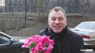 АрміяInform та народний артист України Анатолій Гнатюк вітають усіх жінок у військовому однострої!