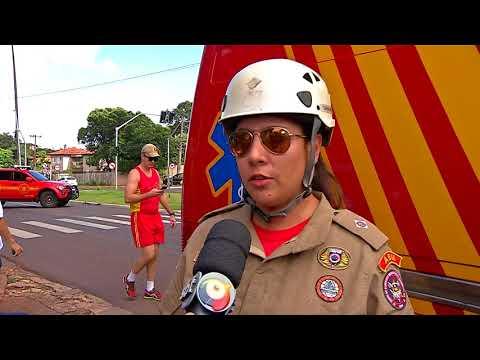 Acidente entre unidade de resgate dos Bombeiros e carro deixa três feridos