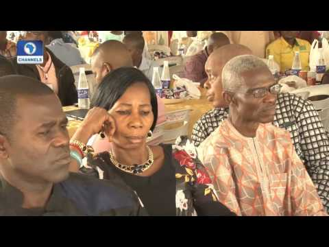 Metrofile: Flour Mill Nigeria Celebrates Long Serving Staff 26/12/15