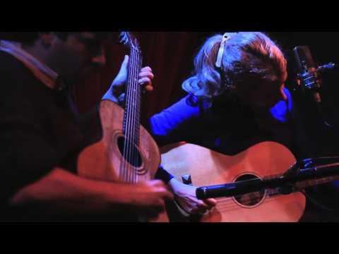 Frank Fairfield And Meredith Axelrod Play Hop Scop Blues