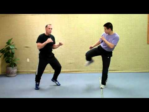 Jeet Kune Do - Rick Tucci demo and explains Jun Fan counters to the outside round kick