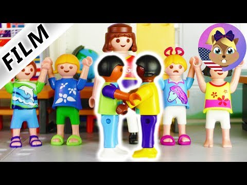 Playmobil Film English | WHO WILL BE PRINCE AND PRINCESS? Theater play | Hannah cries | Smith Family