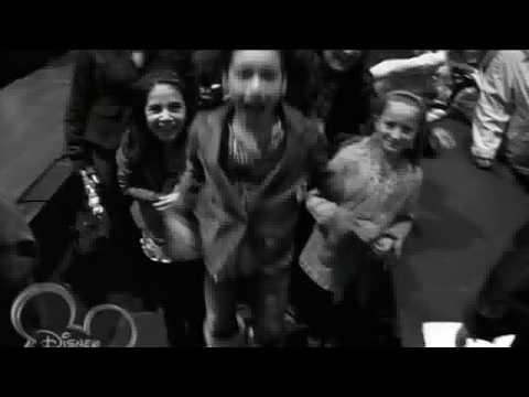 Vanessa Hudgens - Say Ok (Concert Version) HD
