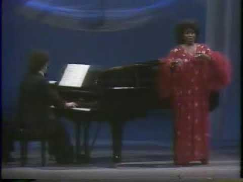 Grace Bumbry sings Bless this house