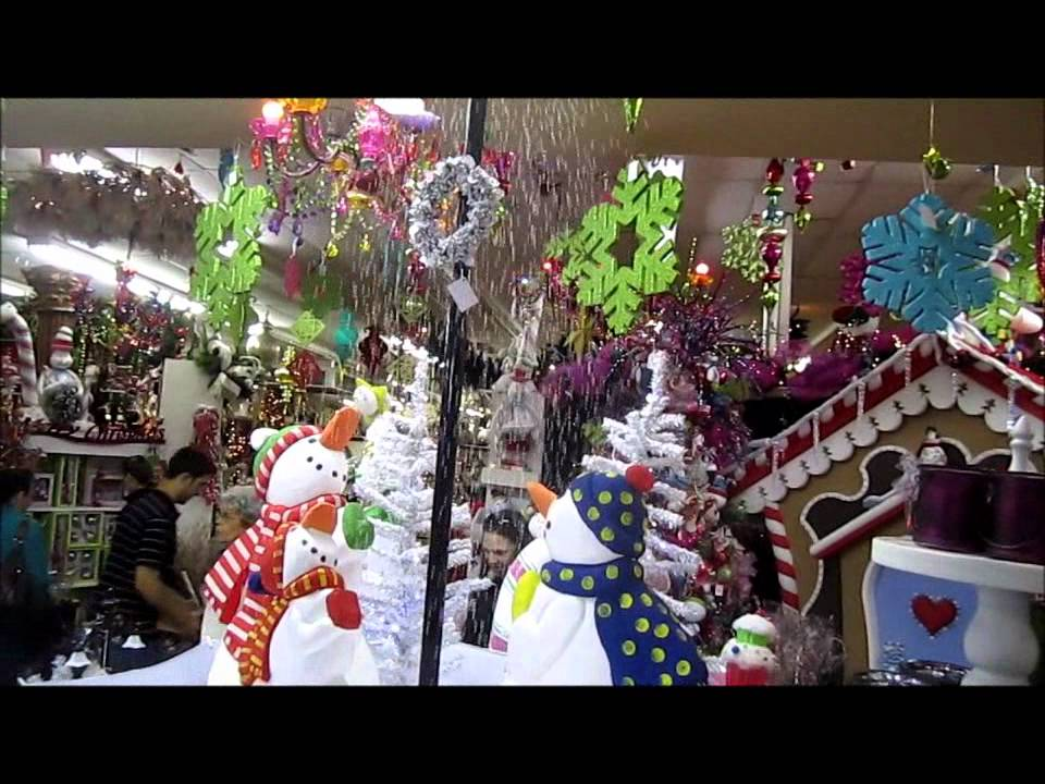 Christmas Tree That Snows Itself Youtube